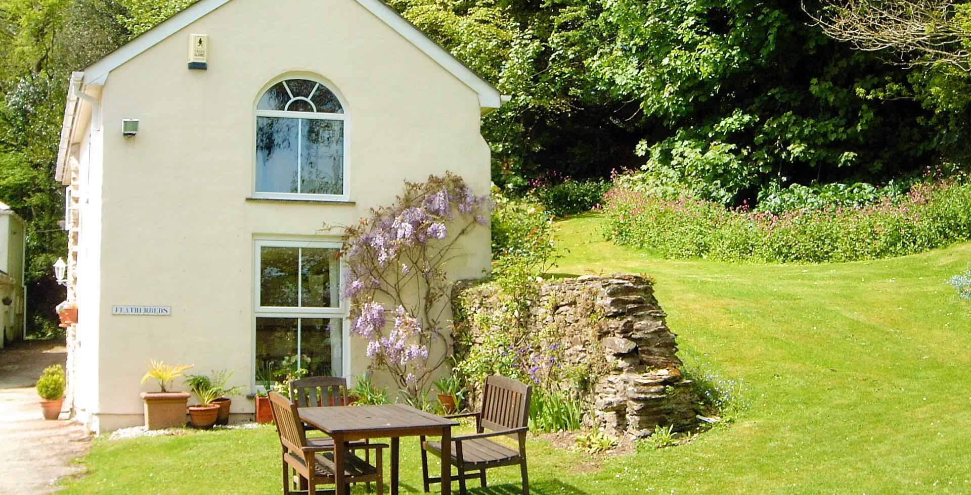 The collectors olivey place mylor bridge nr falmouth cornwall uk - Featherbeds Cottage