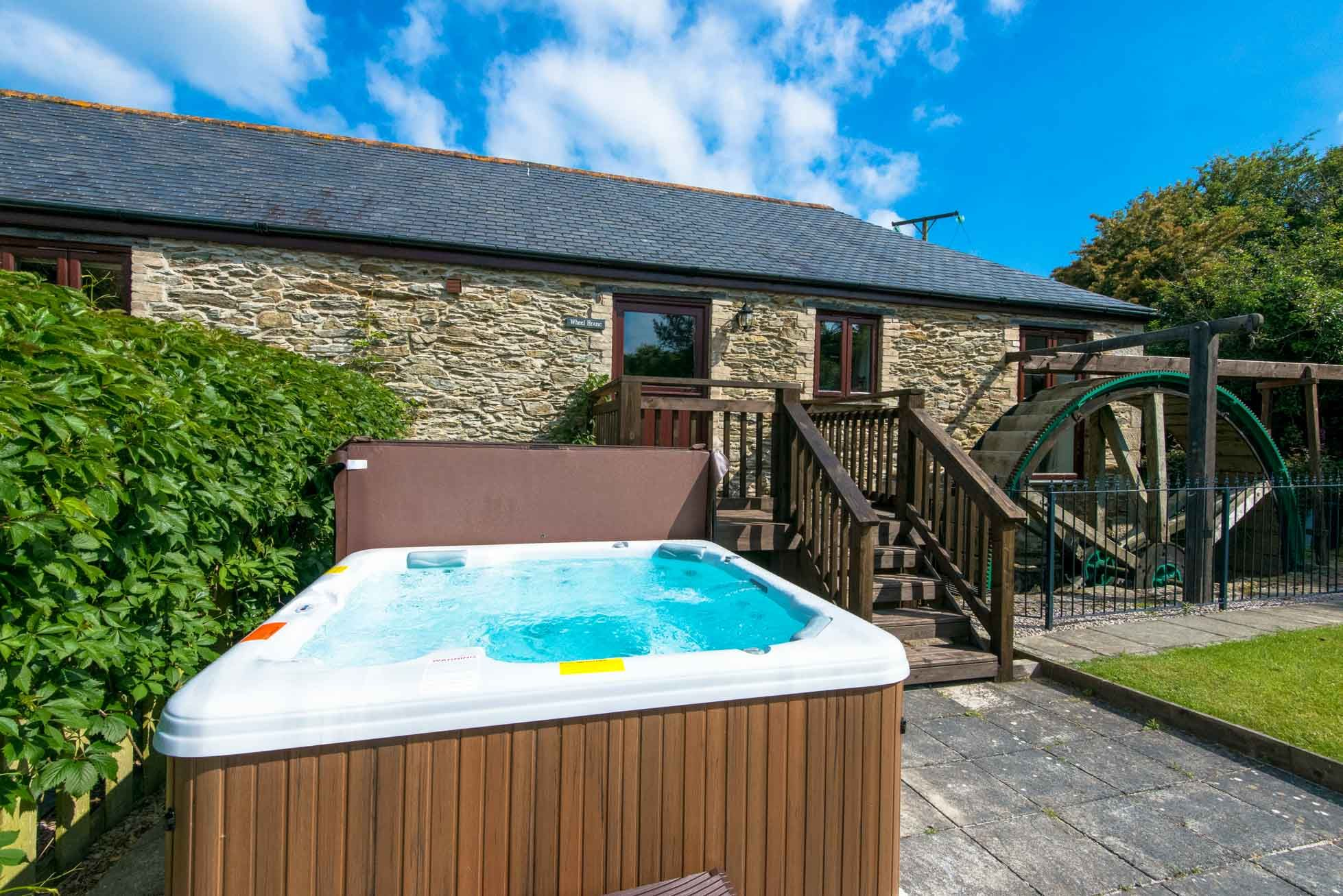 Cornwall holiday cottages mitchell near newquay wheel for Custom cottage fish house prices