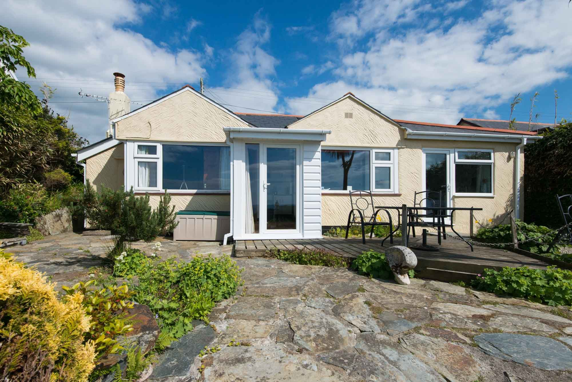 Cornwall holiday cottages tintagel overaven for Custom cottage fish house prices