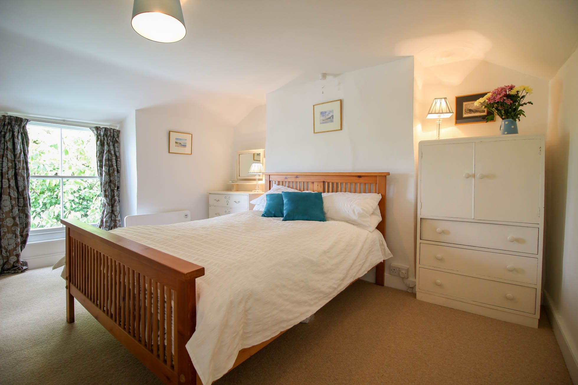 cornwall holiday cottages st mawes rosslyn cottage. Black Bedroom Furniture Sets. Home Design Ideas