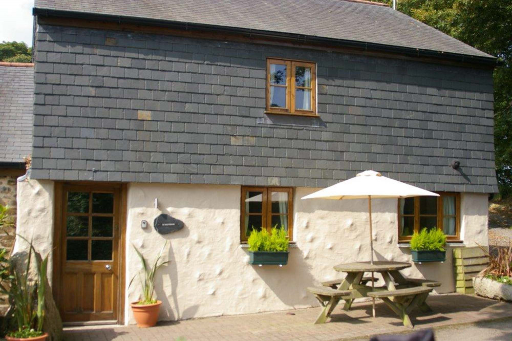 Brilliant Dog Friendly Barn Conversion Falmouth Shared Outdoor Heated Pool Home Interior And Landscaping Ponolsignezvosmurscom